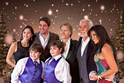 kenny rogers with wife Wanda, his sons, daughterand Twins photo