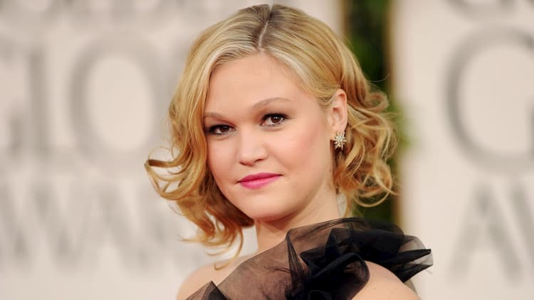 Julia Stiles Bio Age Worth Married Brother Sister