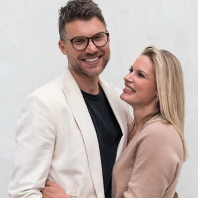 Judah Smith and his wife Chelsea Photos
