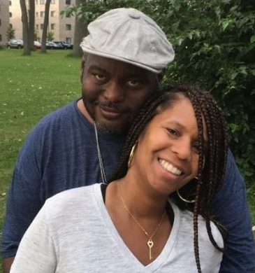 Lavell Crawford with lovely wife Deshawn Jones Photo