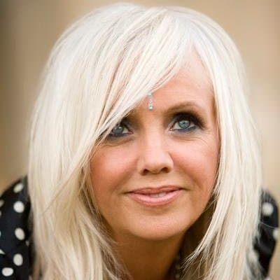 Rhonda Byrne Bio Wiki Age Height Family Husband Daughter The Secret Books And Net Worth