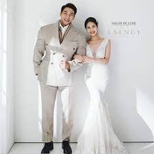Chul Soon and his wife Photo